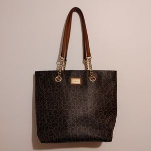 CALVIN KLEIN | Brown Tote with Gold Chain Handles